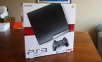 PlayStation 3, PlayStation 3 , with 2 controllers. and is 120gb