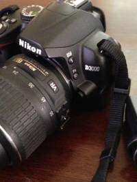 D3000 Nikon, I have a nikon d3000 with the standard kit lens and an extra zoom lens comes with battery and two chargers, Like new