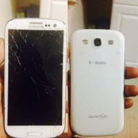 Galaxy S3, Galaxy S3 Tmoblie Screen Cracked . Still Works and Runs Well