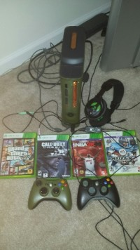 xbox 360 plus games, xbox 360 Halo Edition, plus 4 games and 2 wireless controllers and head set