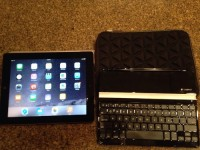 iPad, Electronics, Apple, ipad 32 Gb with cover, Bluetooth keyboard and case