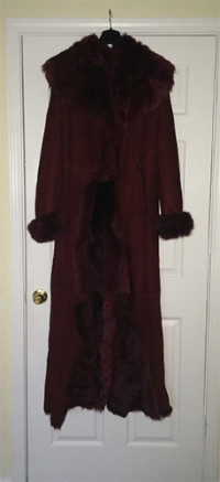 Full Length Shearling Fur Coat, Other, Women's Full-Length soft cape collar Shearling fur coat. Mercury (deep burgundy color)  One once. Link to a similar coat http://www.dandreny.net/PROD/4019.html