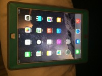 iPad air, Electronics, Apple iPad , 16 gb and charger included