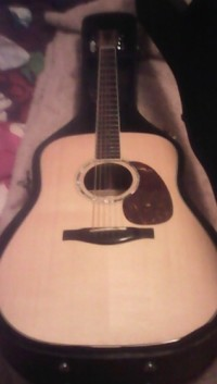 Eastmann Acoustic Guitar, Musical Instruments, Equipment, Make: Eastmann Model: AC420 serial number: 121228914. Comes with hardshell case.