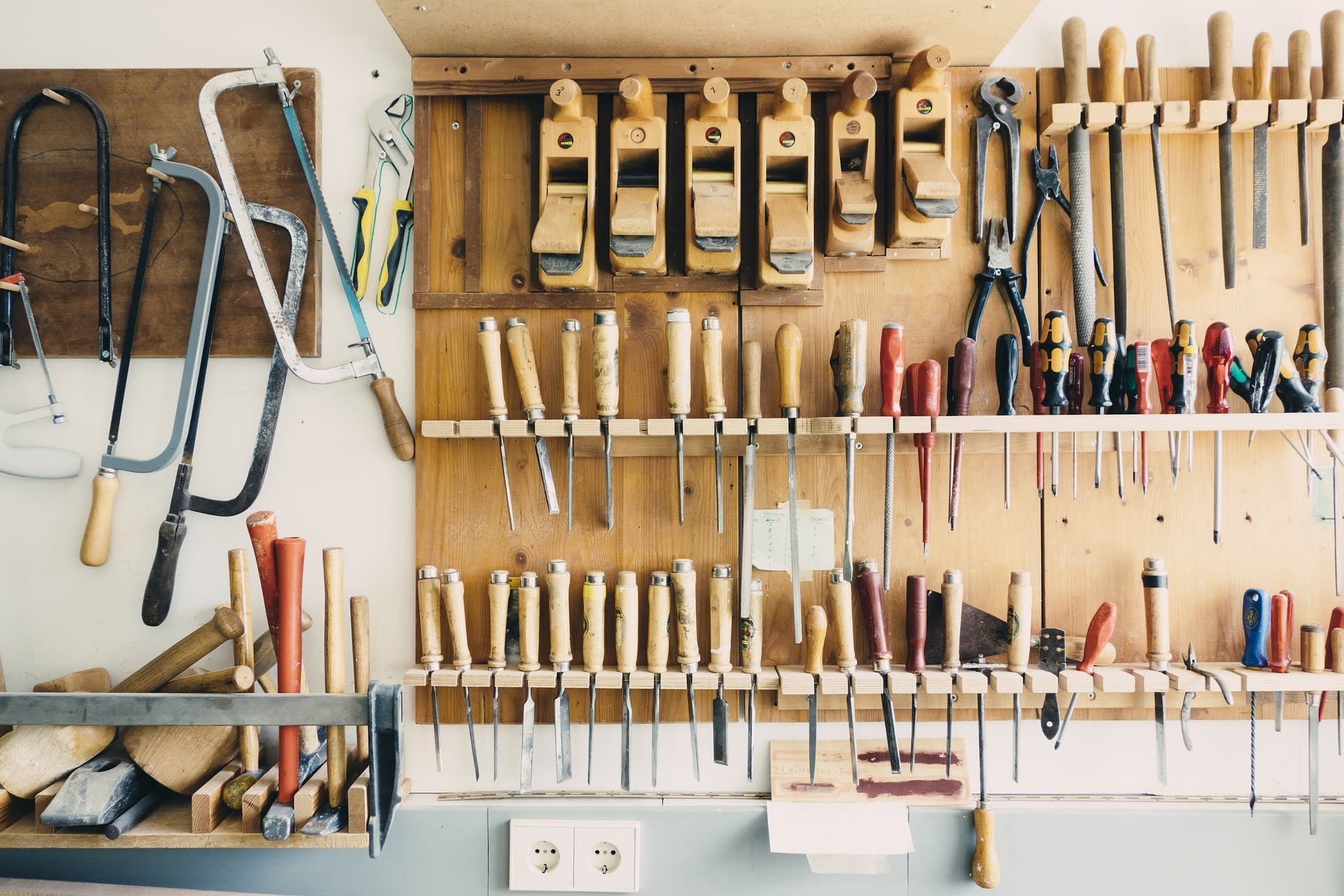 Tips to organise your garden shed and garage
