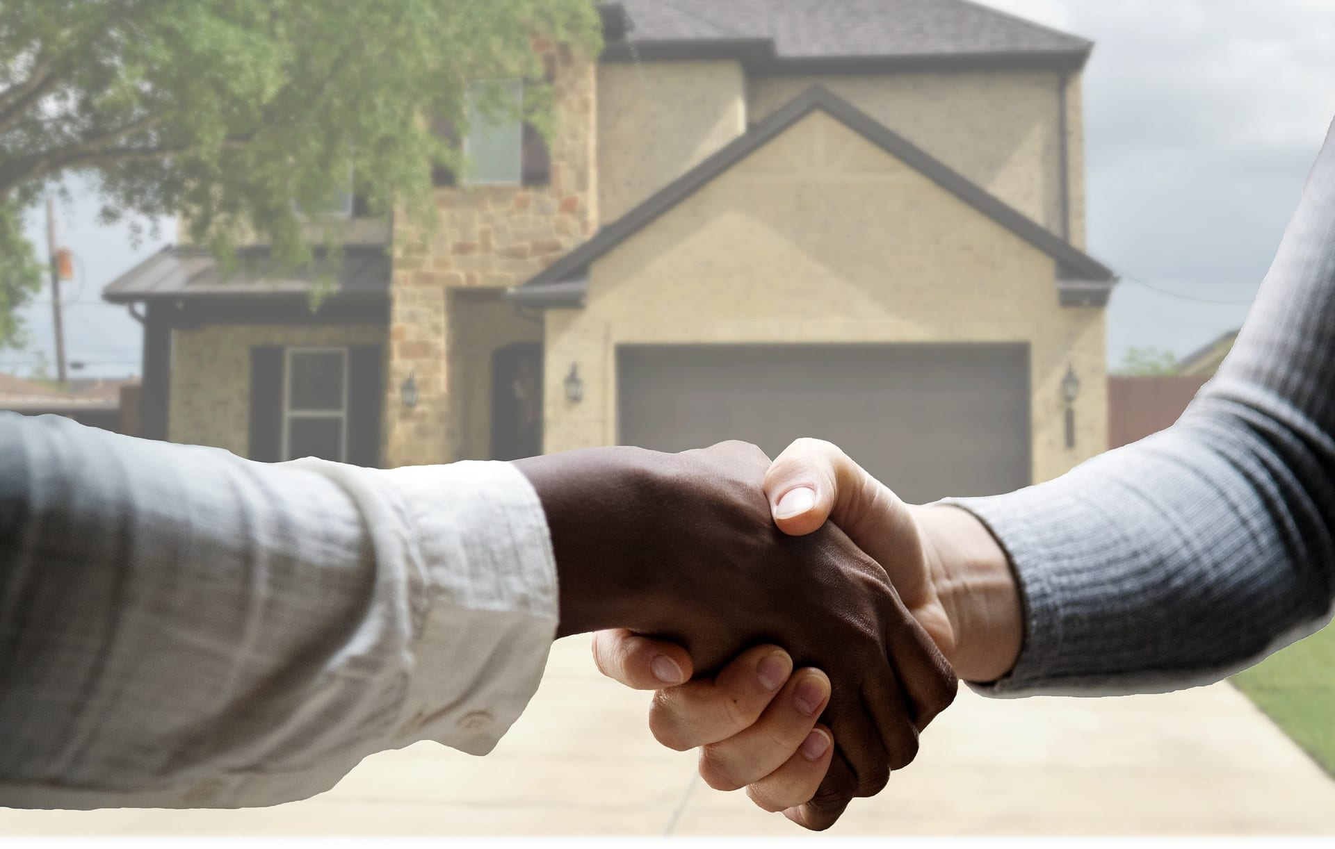 10 things you should know before buying your first house