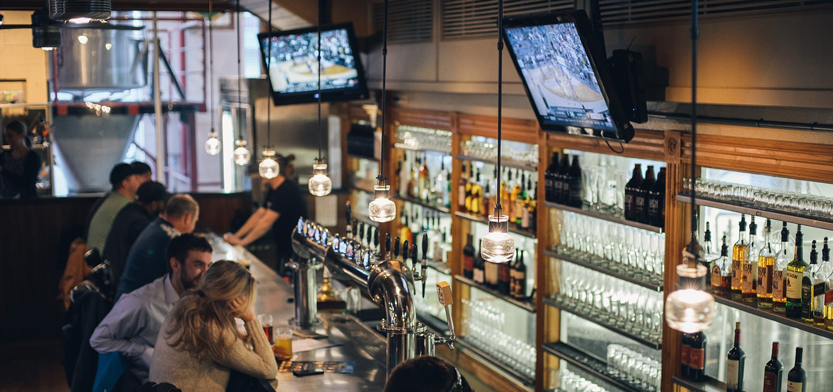 Top Places to Watch the 2020 March Madness Basketball Tournament in Park City Image