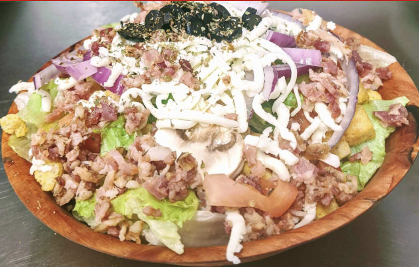 Red Banjo Pizza Salad