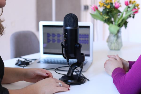 comment mener une interview : découvrez tous les secrets qui ont fait la réussite de votre interlocuteur