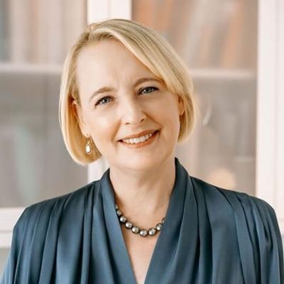 Julie Sweet, Accenture