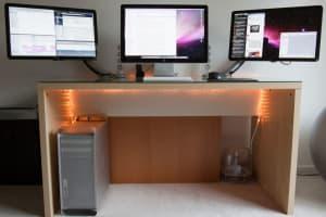 Компьютерный стол для двух и трех мониторов