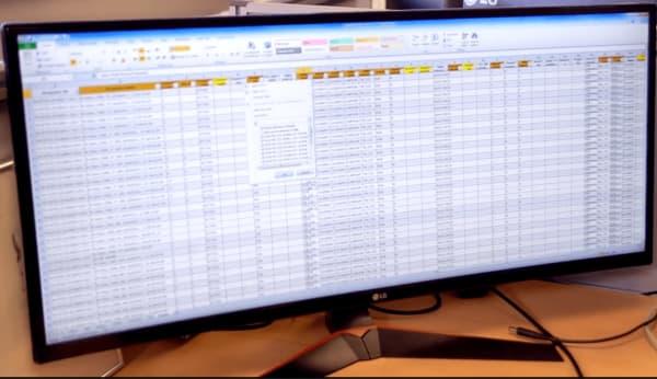 Таблицы на UHD дисплее