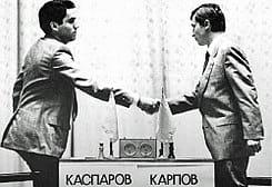 foto histórica de jugadores de ajedrez
