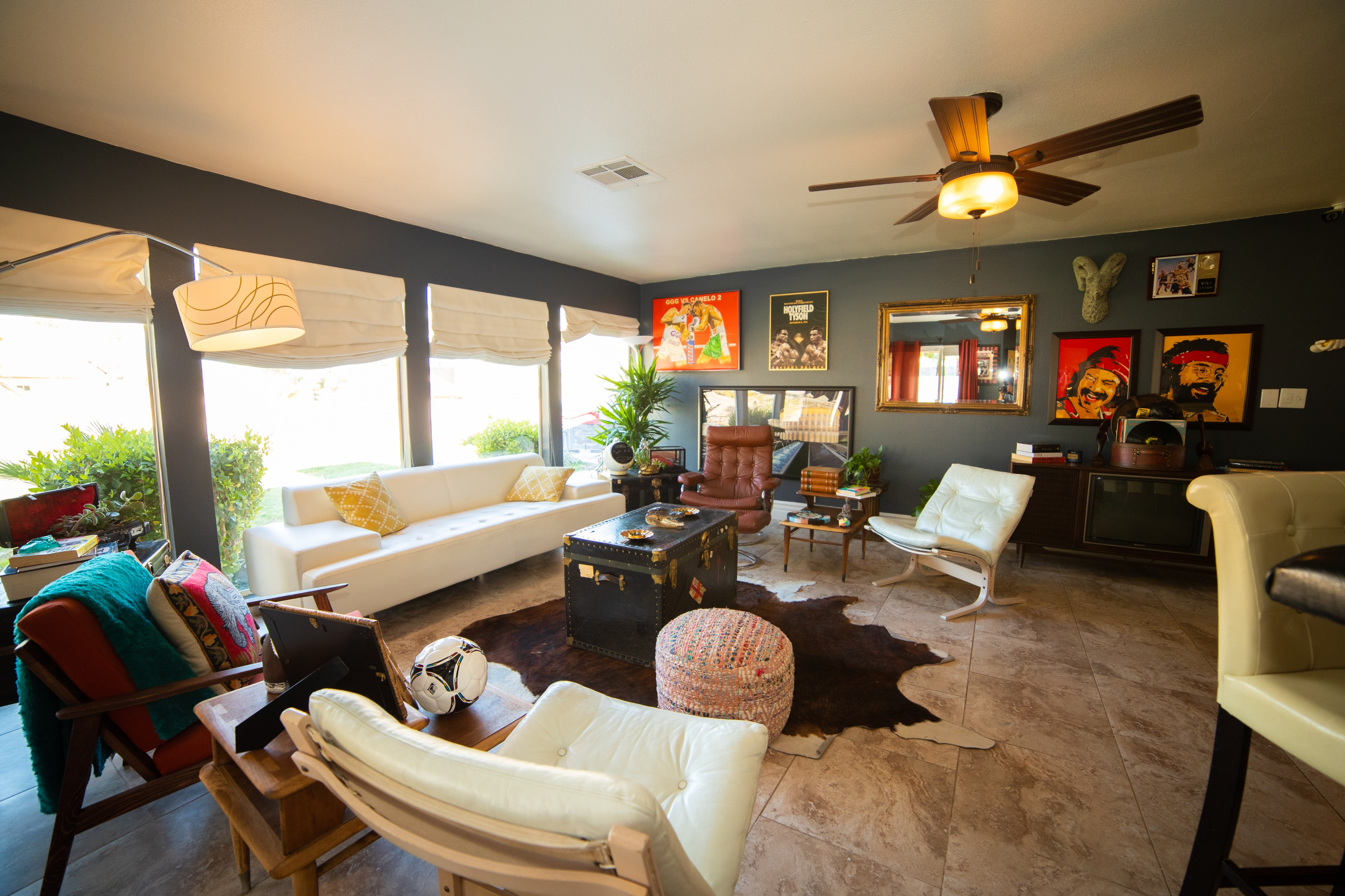 Image of: Eclectic Mid Century Modern Las Vegas Ranch Style Home With Huge Half Acre Yard Las Vegas Nv Production Peerspace