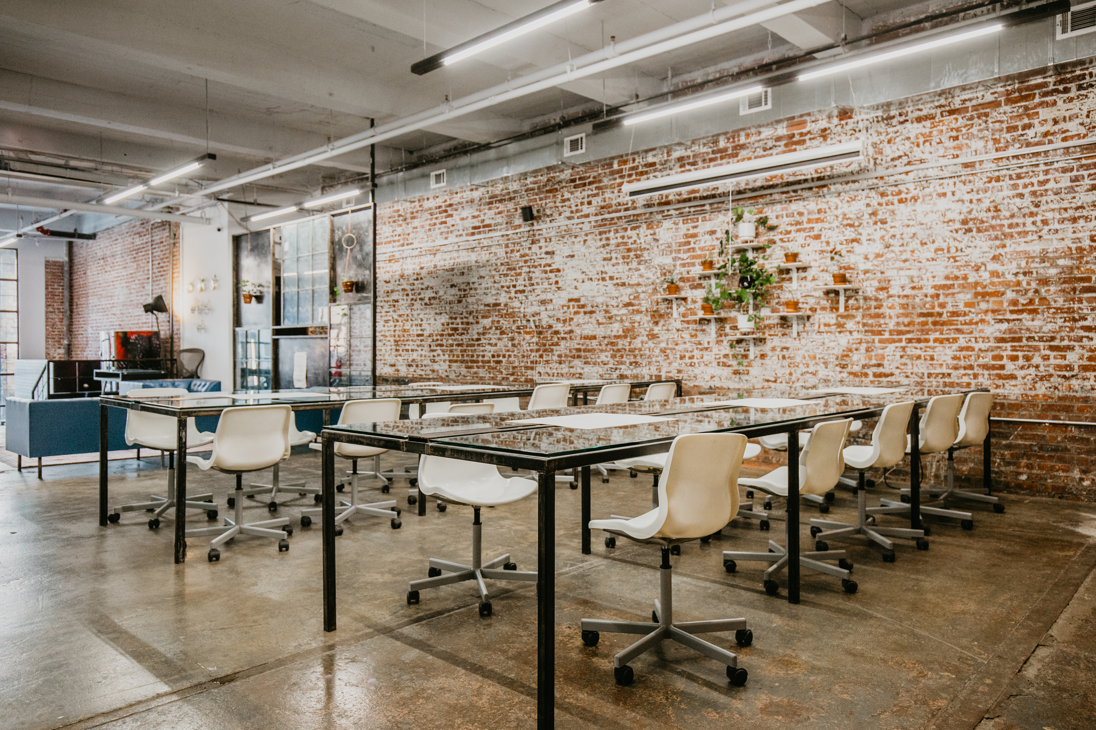 Industrial Workspace With Kitchenette Breakout Space Options Ridgewood Ny Off Site Peerspace
