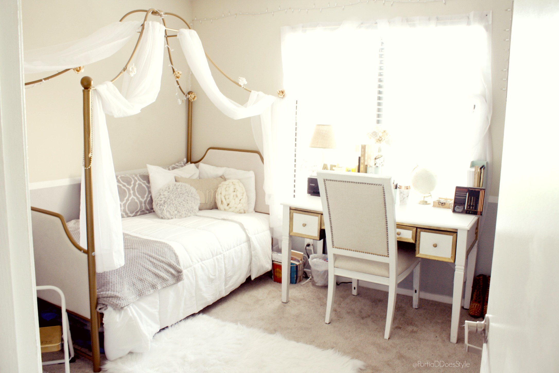 Canopy Bed.Cozy Bohemian Bedroom With Regal Canopy Bed Burbank Ca