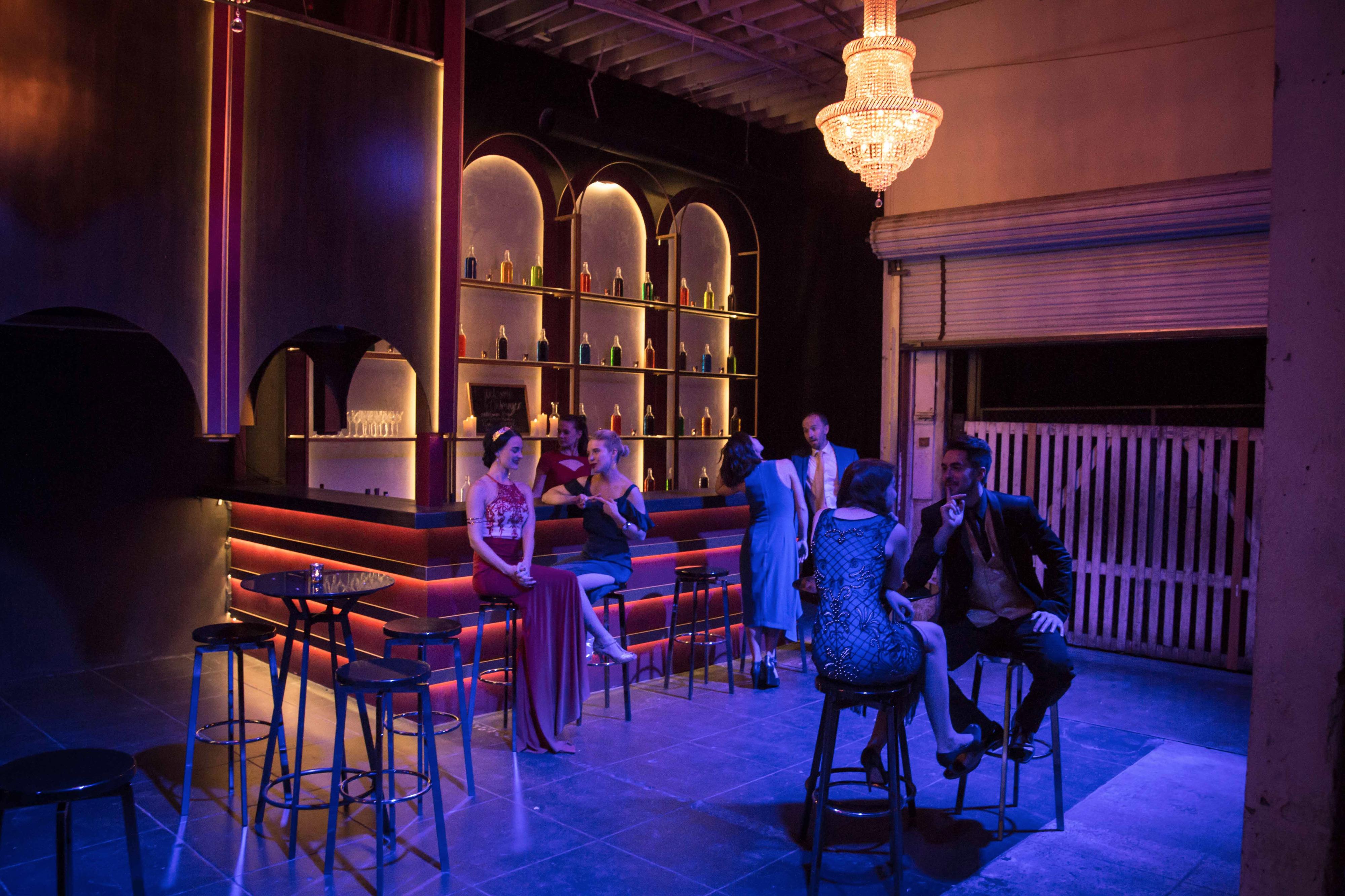 Art Deco Bar w/Chandeliers in Grand DTLA Warehouse!, Los Angeles, CA ...