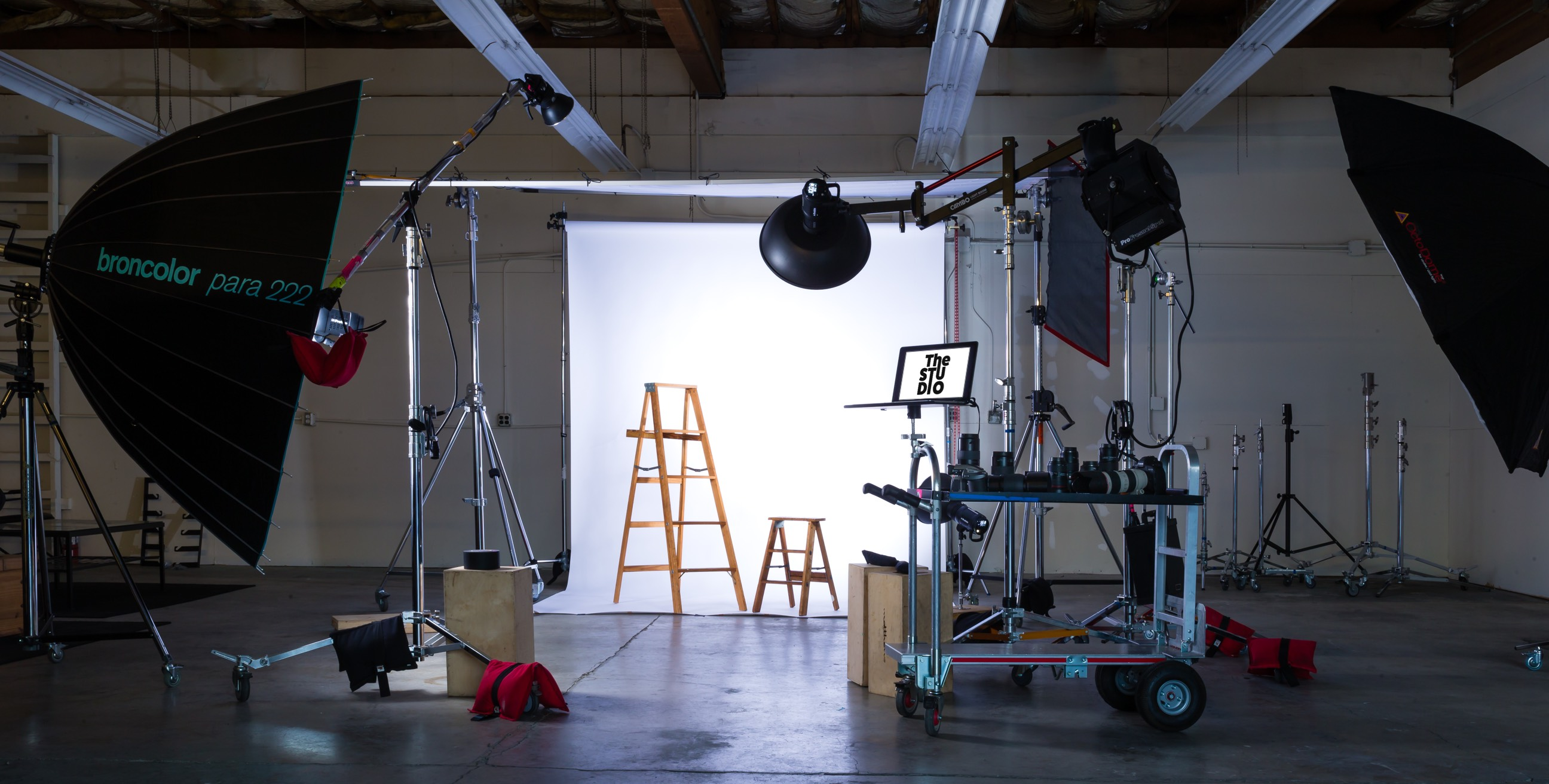am studio lighting. Spacious Walnut Creek Photo Studio, Creek, CA | Production Peerspace Am Studio Lighting