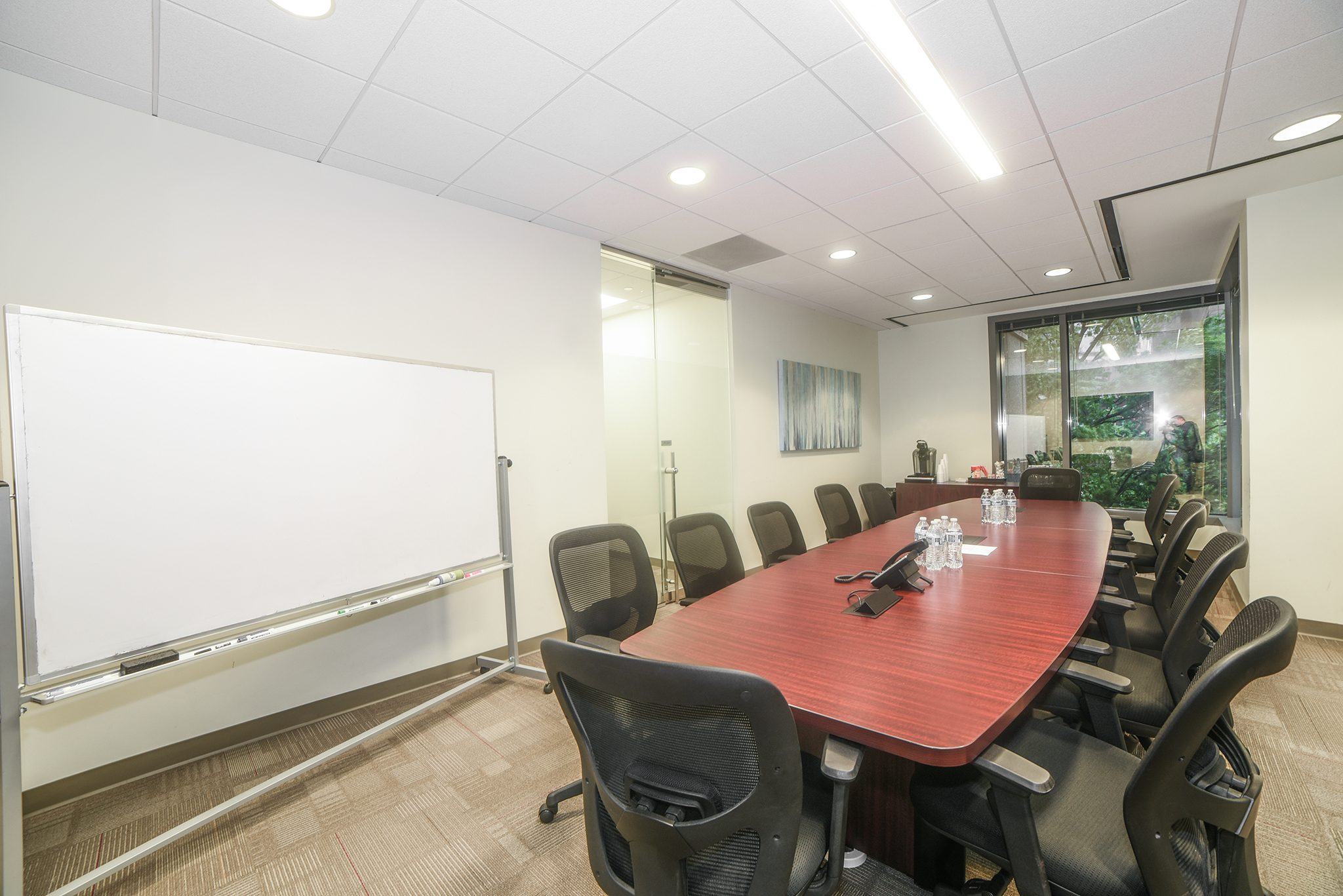 48 Person Production Corporate Meeting & Presentation Room