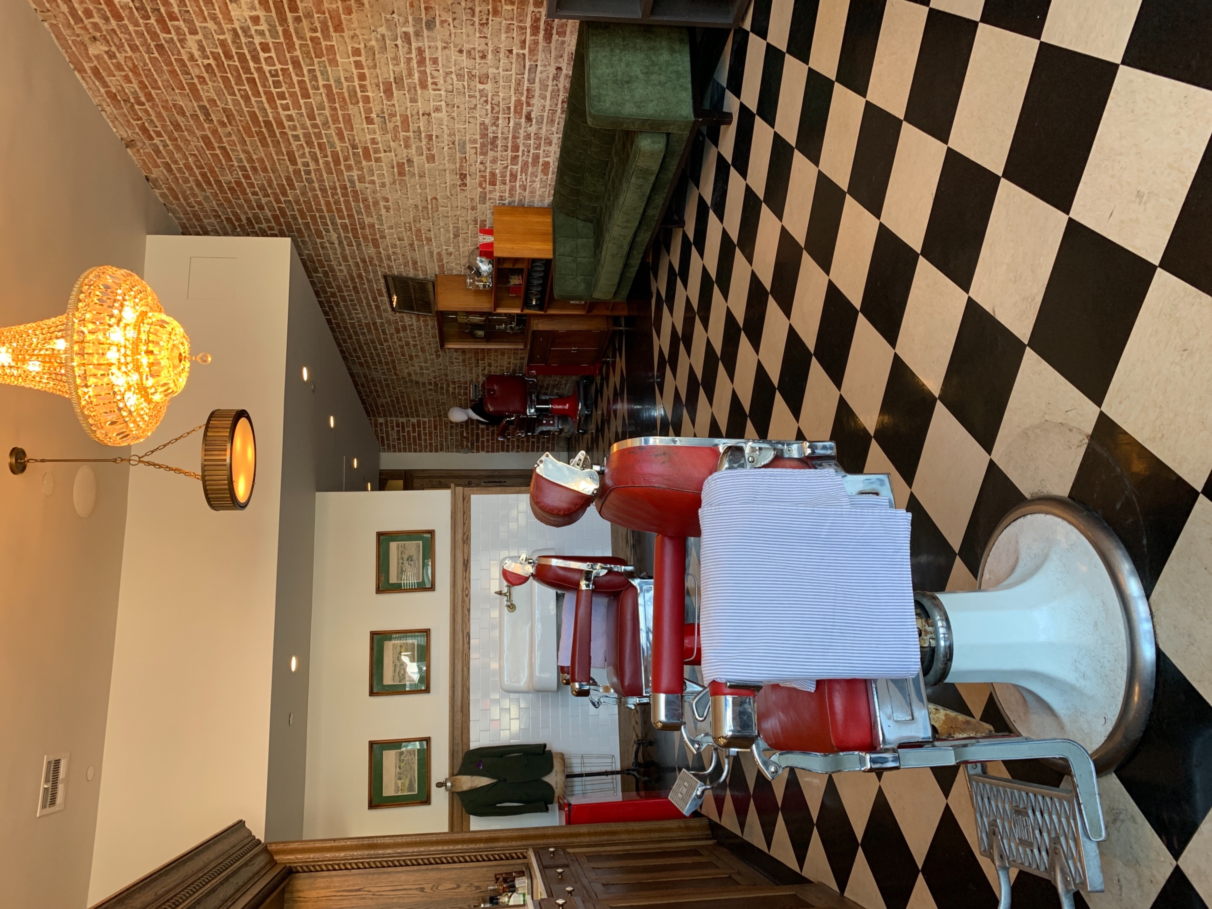 The Barbershop Club Beautiful classic traditional barbershop , Nestled in  1920's Hotel Normandie in Koreatown Los Angeles
