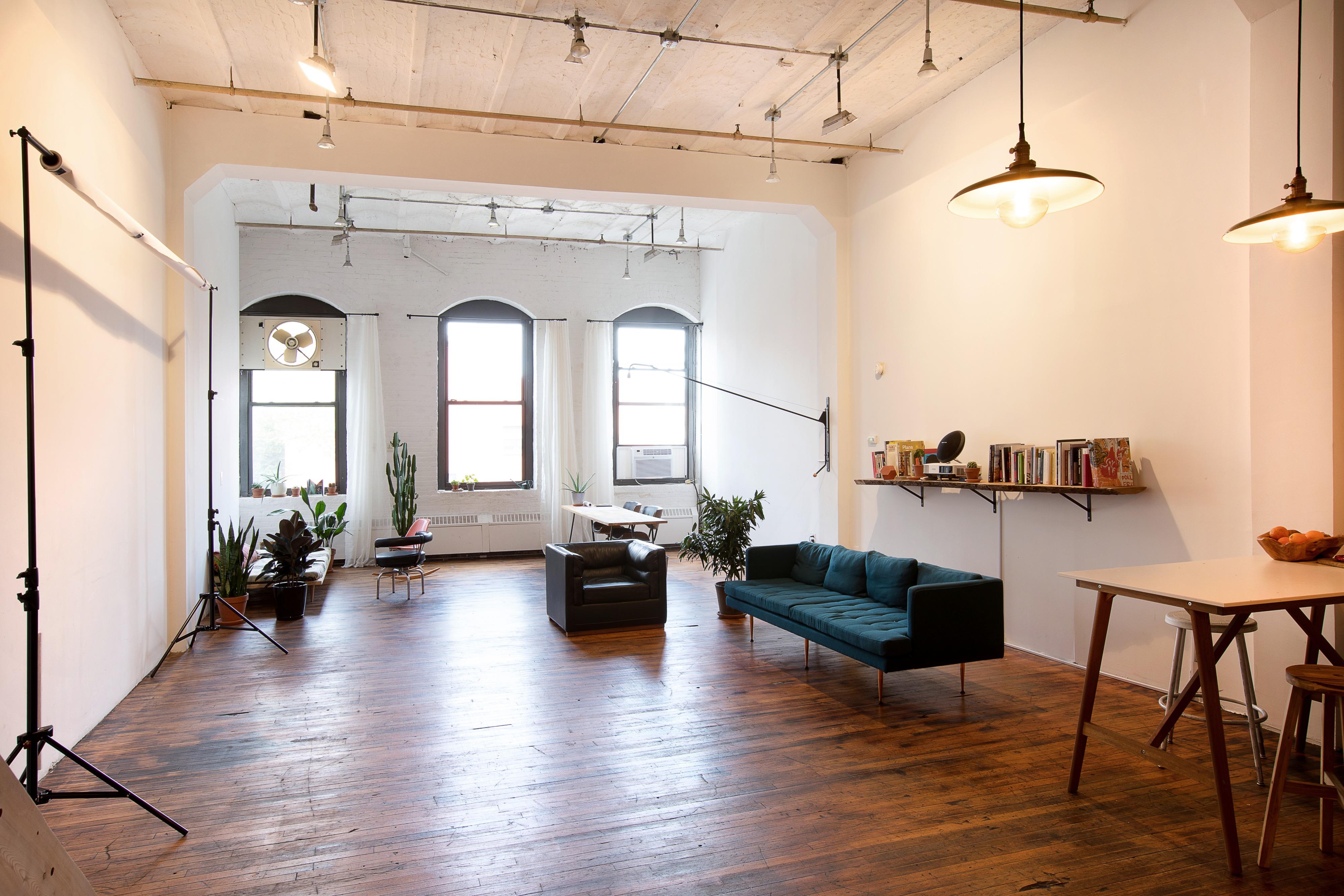 Huge Artist Loft Space Historic Building In Red Hook Brooklyn Ny Off Site Peerspace