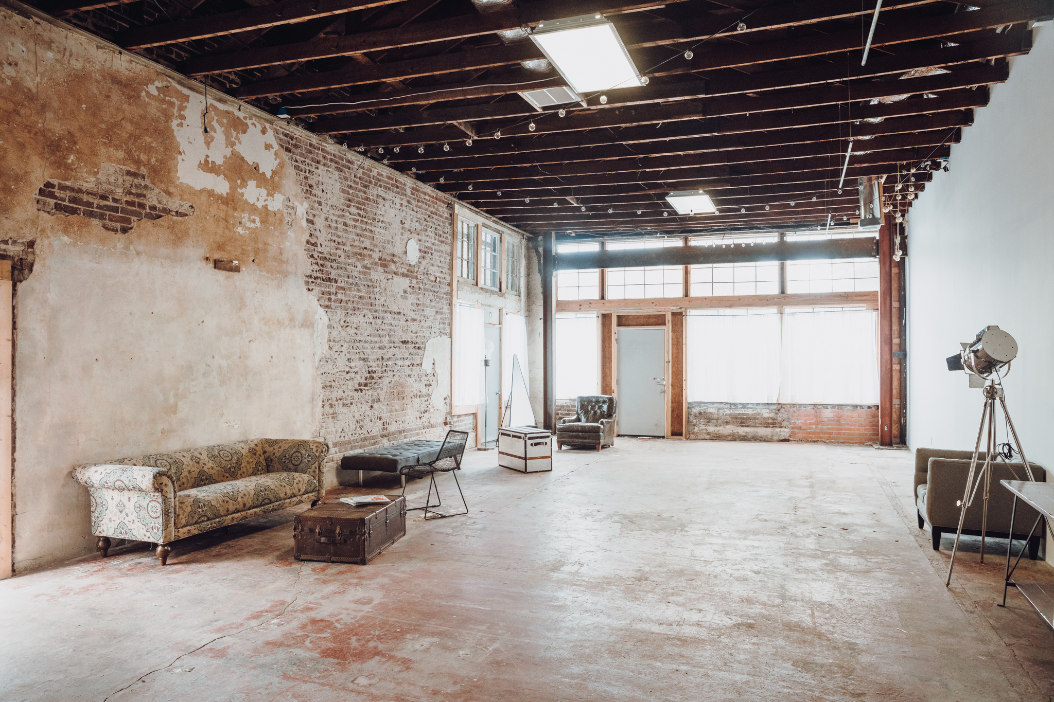 Urban warehouse with exposed brick near downtown houston houston tx production peerspace