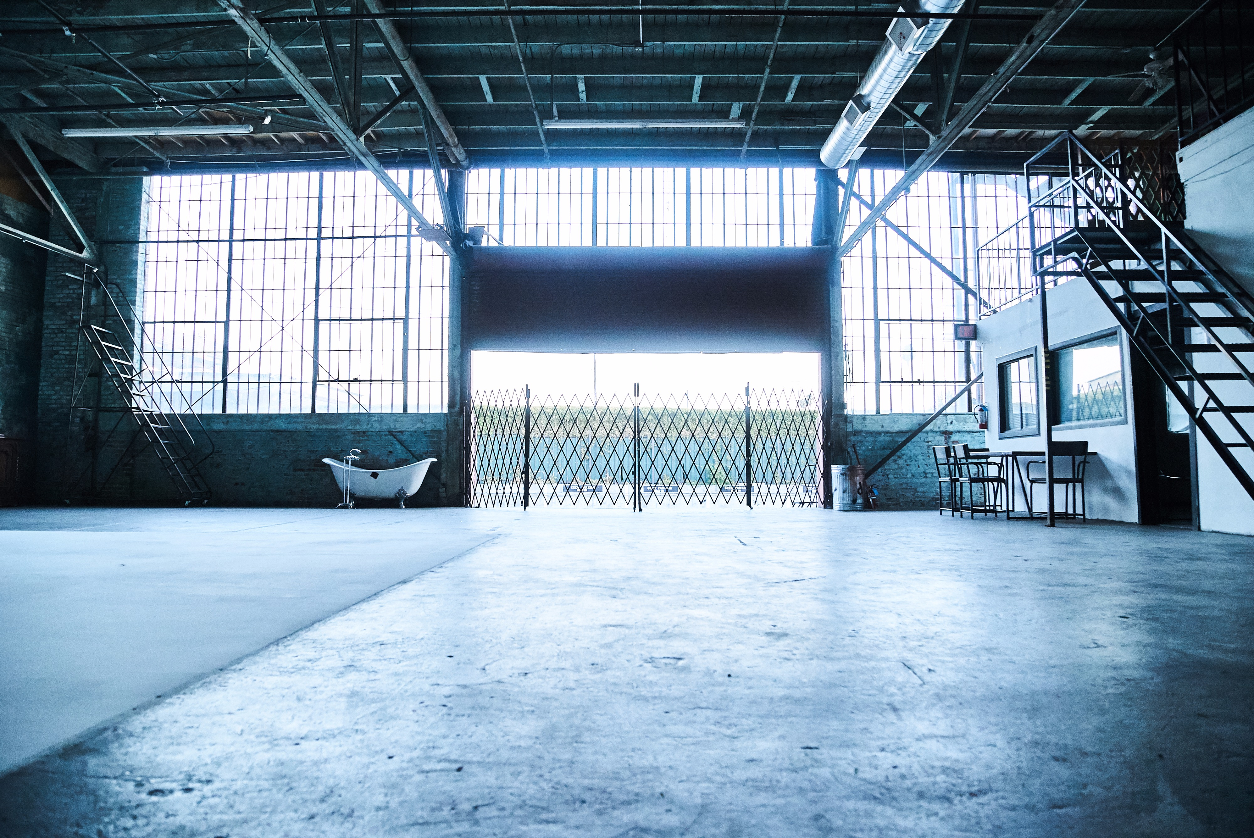White Cyc Wall In Warehouse Studio, Los Angeles, CA | Production ...