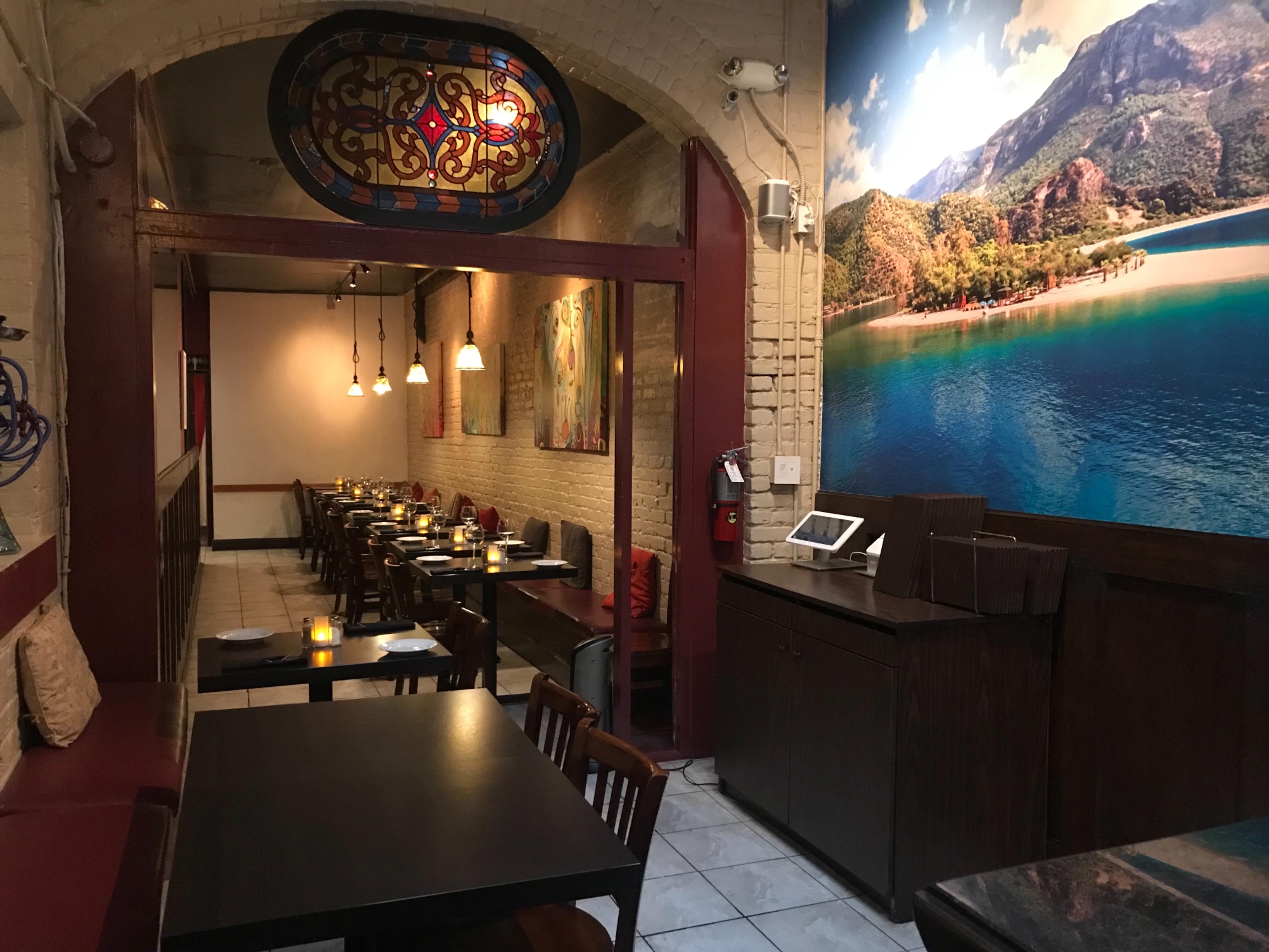 Nob Hill Hours >> Cozy Nob Hill Restaurant In San Francisco