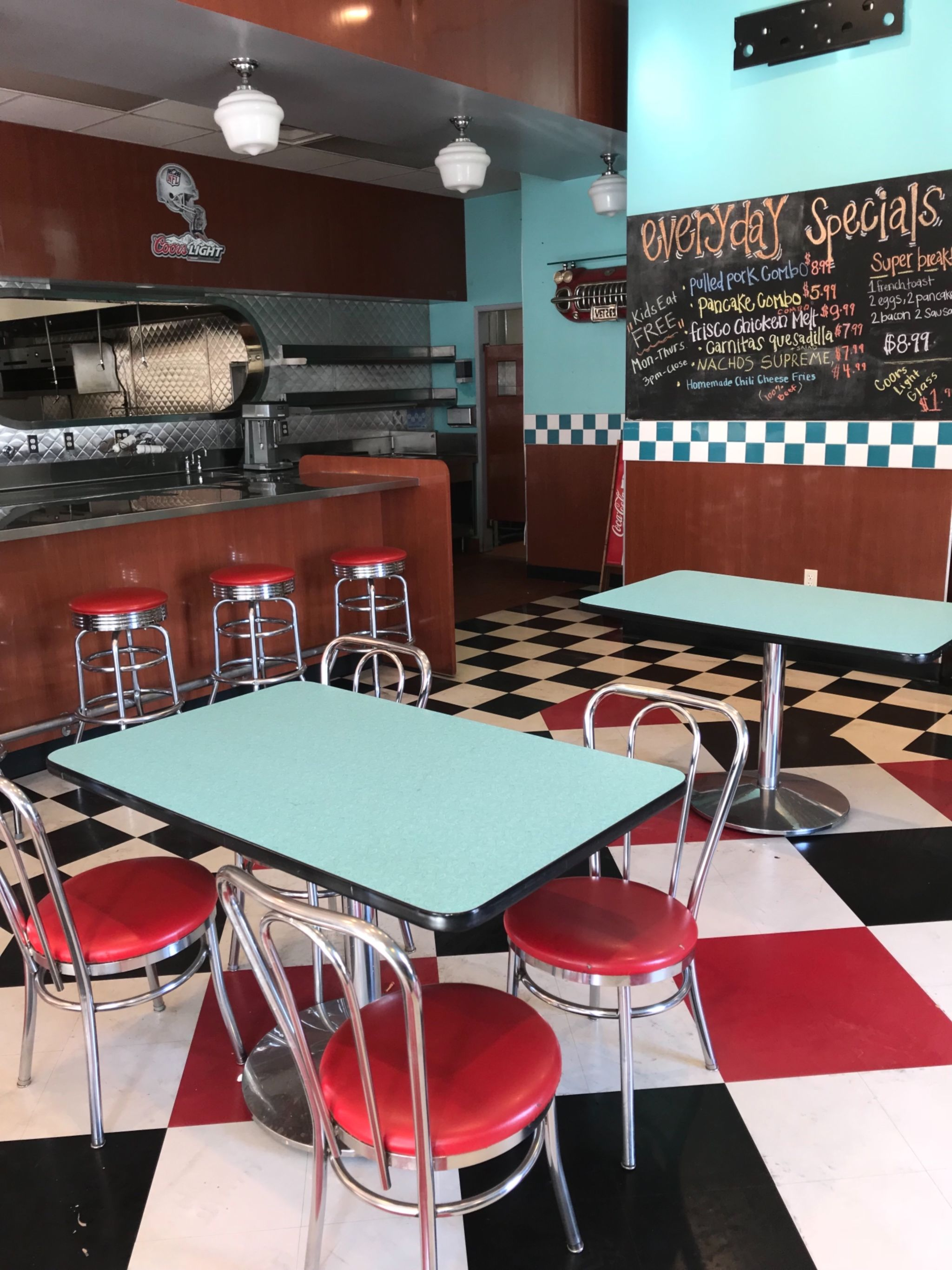 Spacious 50\'s Themed Diner Full Kitchen, Castaic, CA | Event | Peerspace