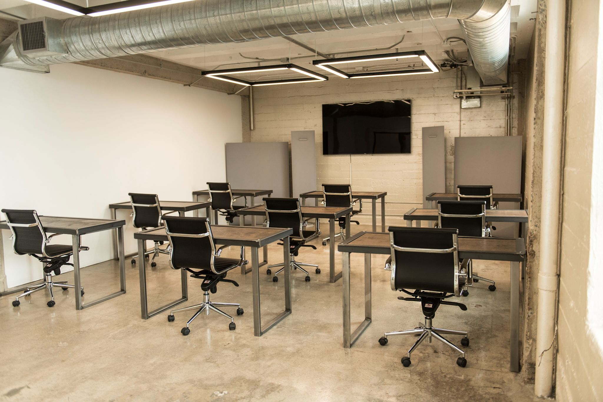 Classroom in Historic Penthouse atop the Fashion District Los