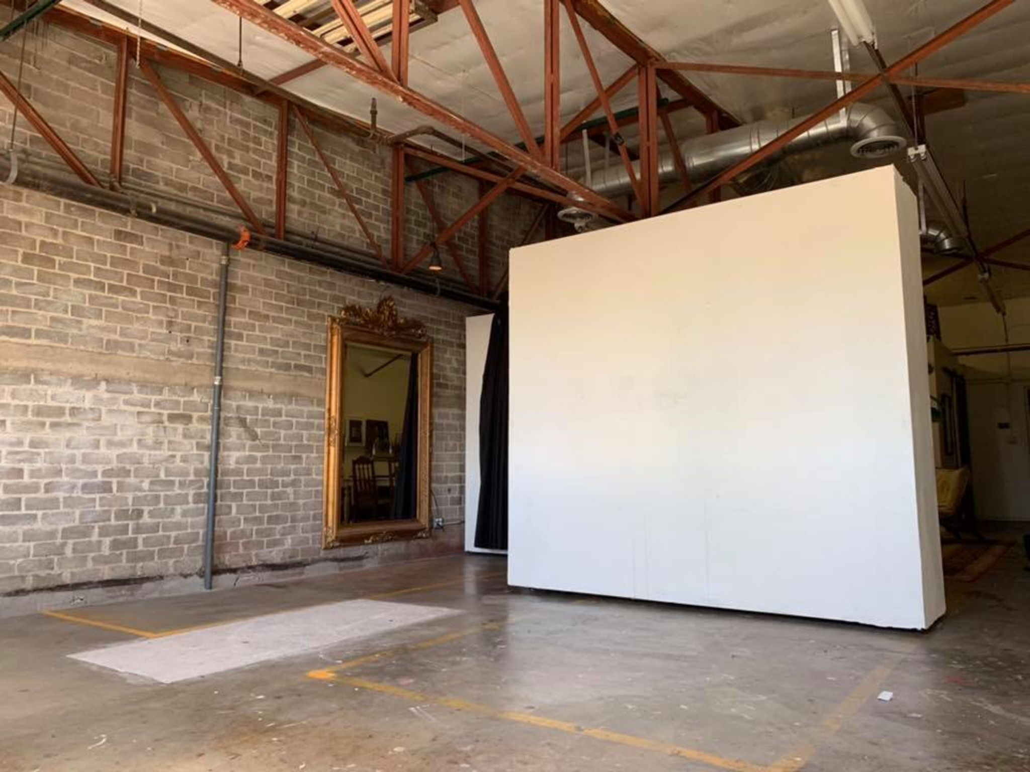 Creative Artist Loft In The Heart Of Downtown Phoenix Phoenix Az Production Peerspace