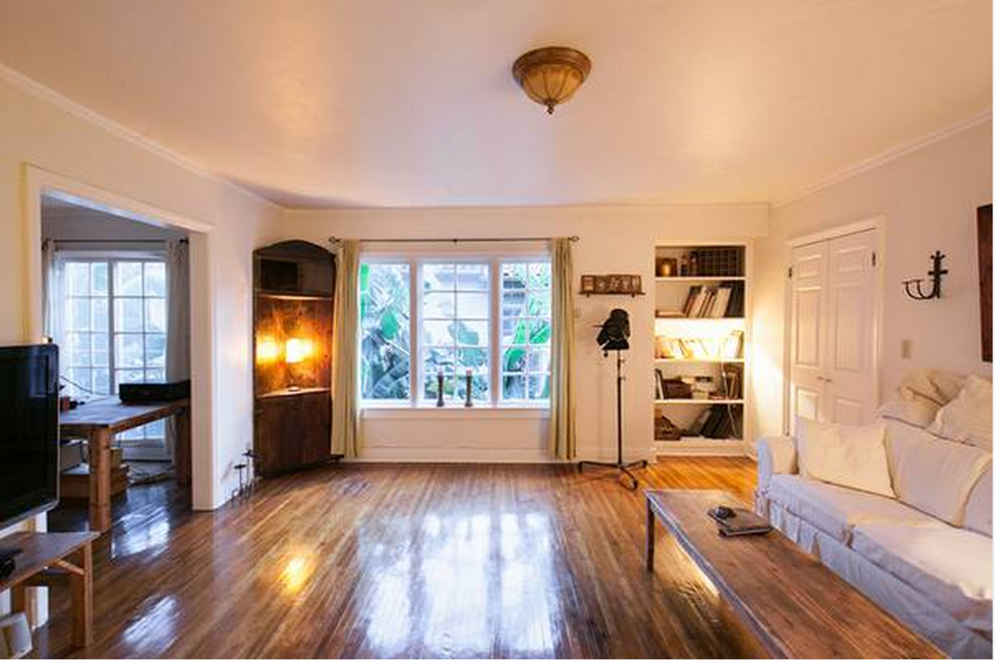Charming Spanish Style Vintage Apartment In The Heart Of Hollywood Los Angeles Ca Production Peerspace
