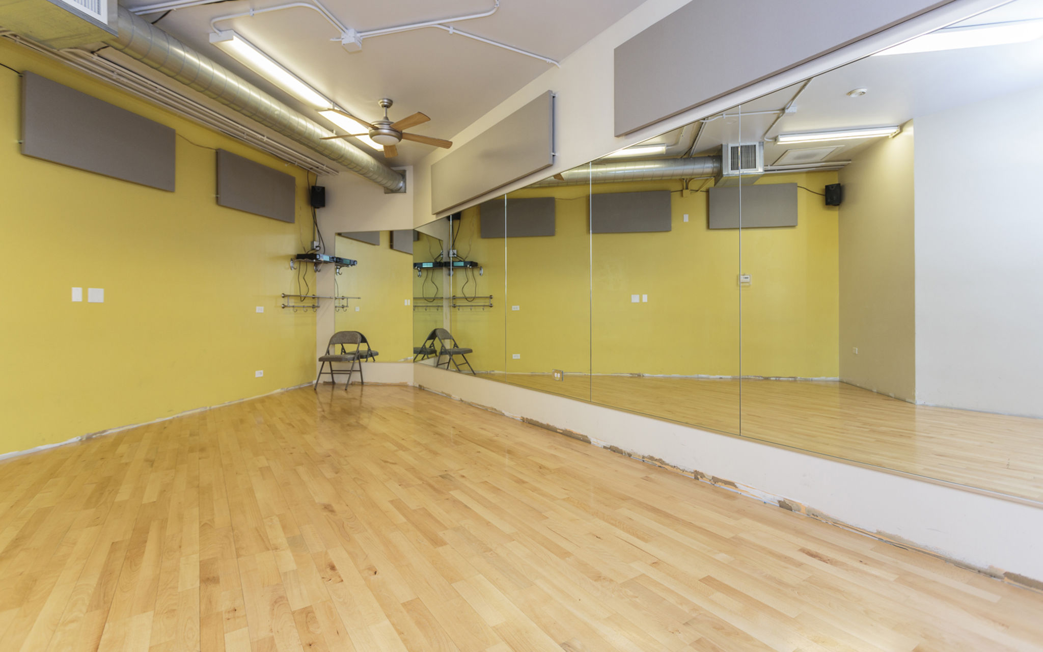 Small Dance Studio Available For Creative Use Studio 1 Chicago Il Production Peerspace