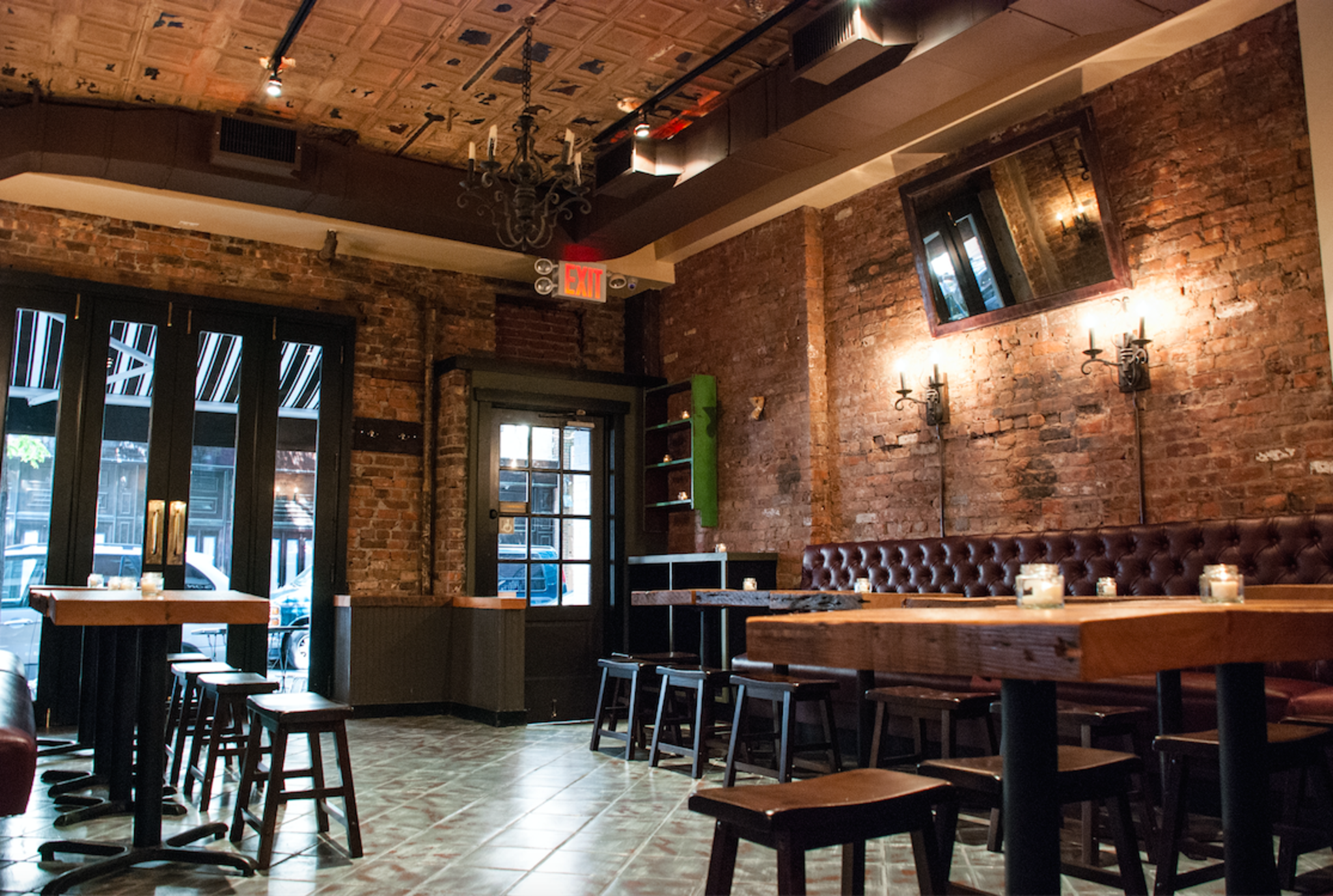 Rustic Tavern In The Heart Of Greenwich Village Cozy Craft Beer Bar