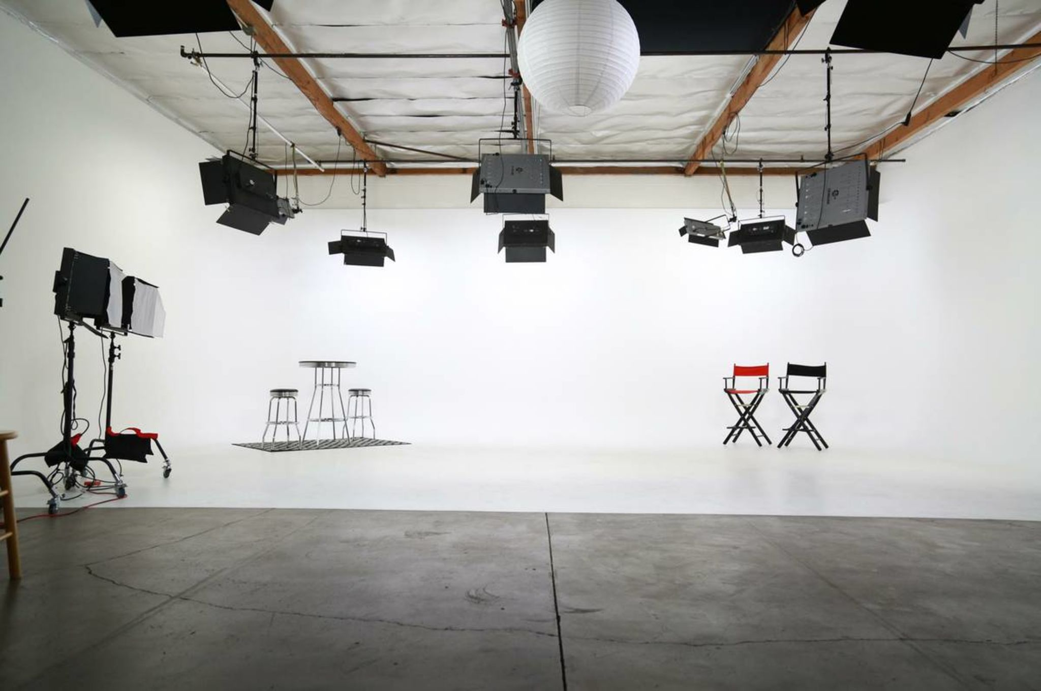 Amazing Fully Lit Film & Photo Studio with White Cyclorama Wall ...