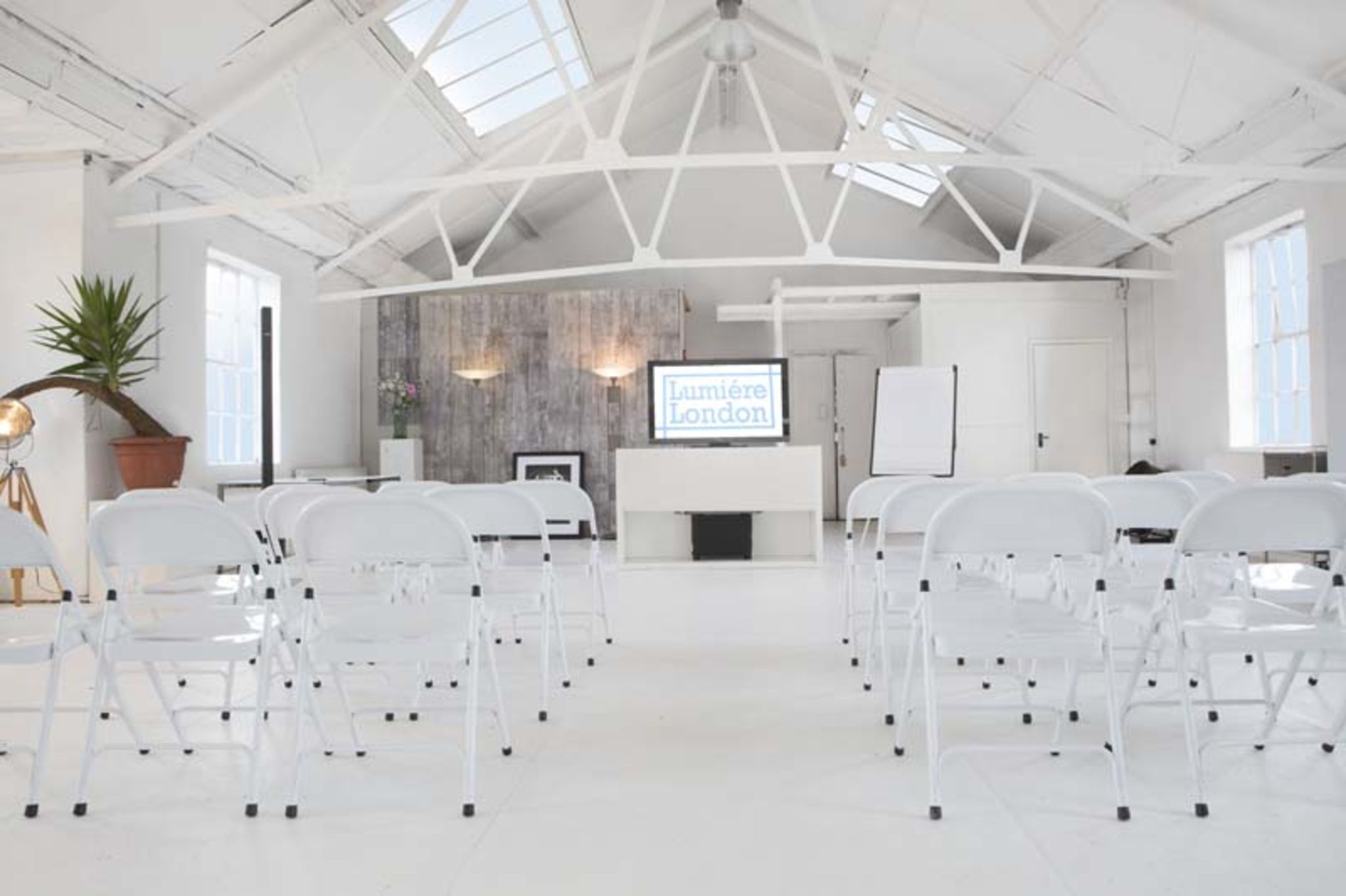 huge beautifully finished homely white loft london event peerspace