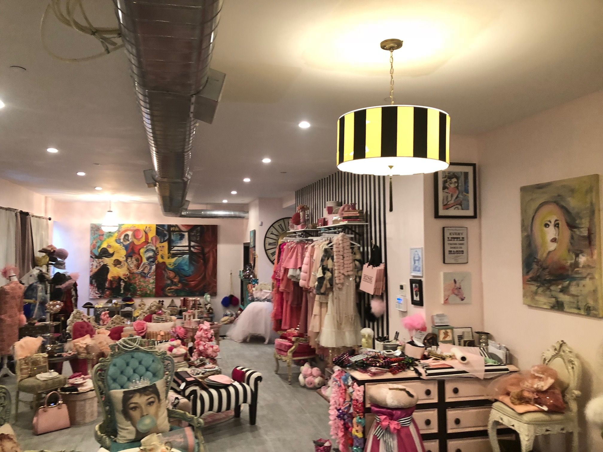 Spacious Beautiful and Elegant Art Gallery & Clothing Boutique in Brooklyn