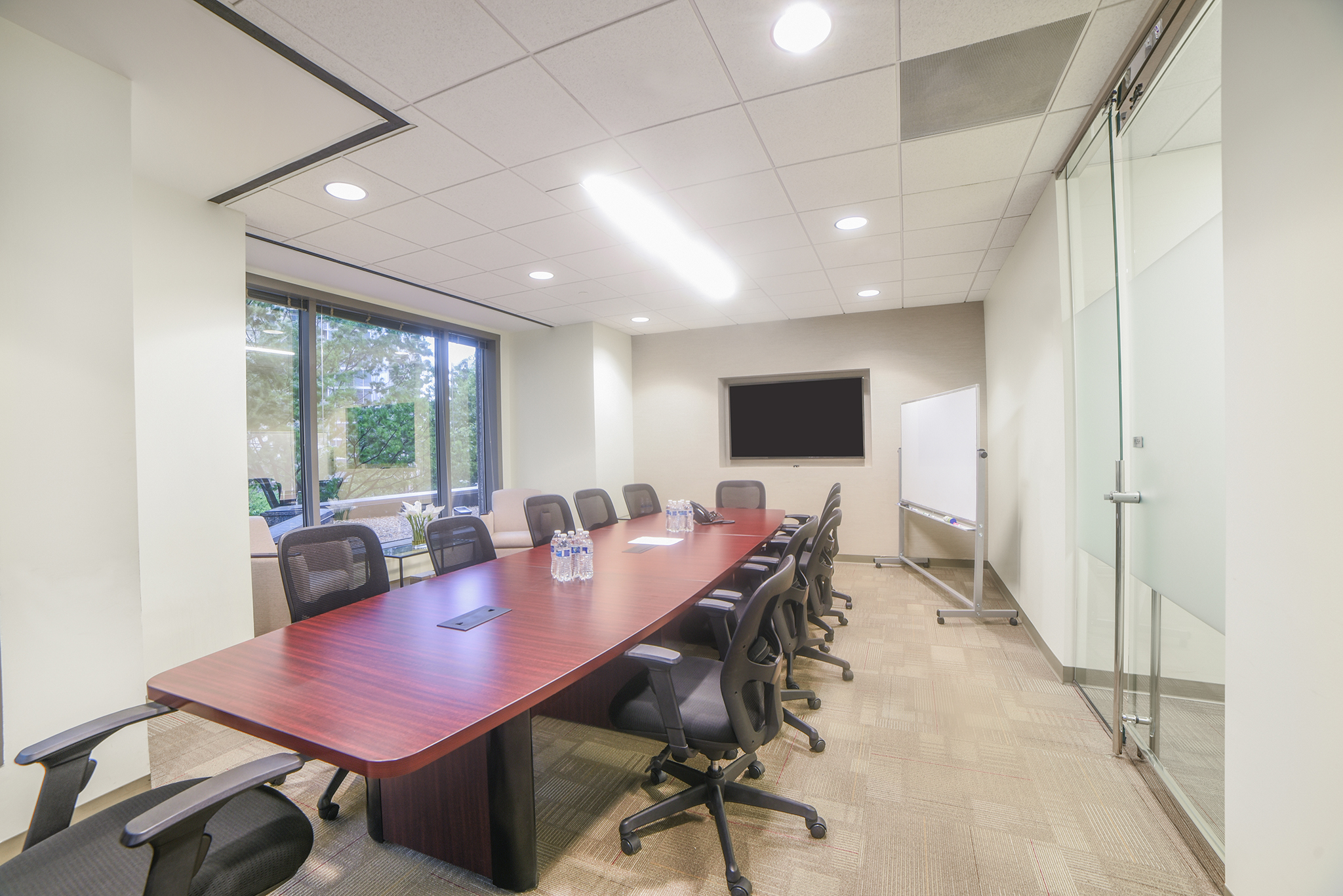48 Person Corporate Meeting & Presentation Room