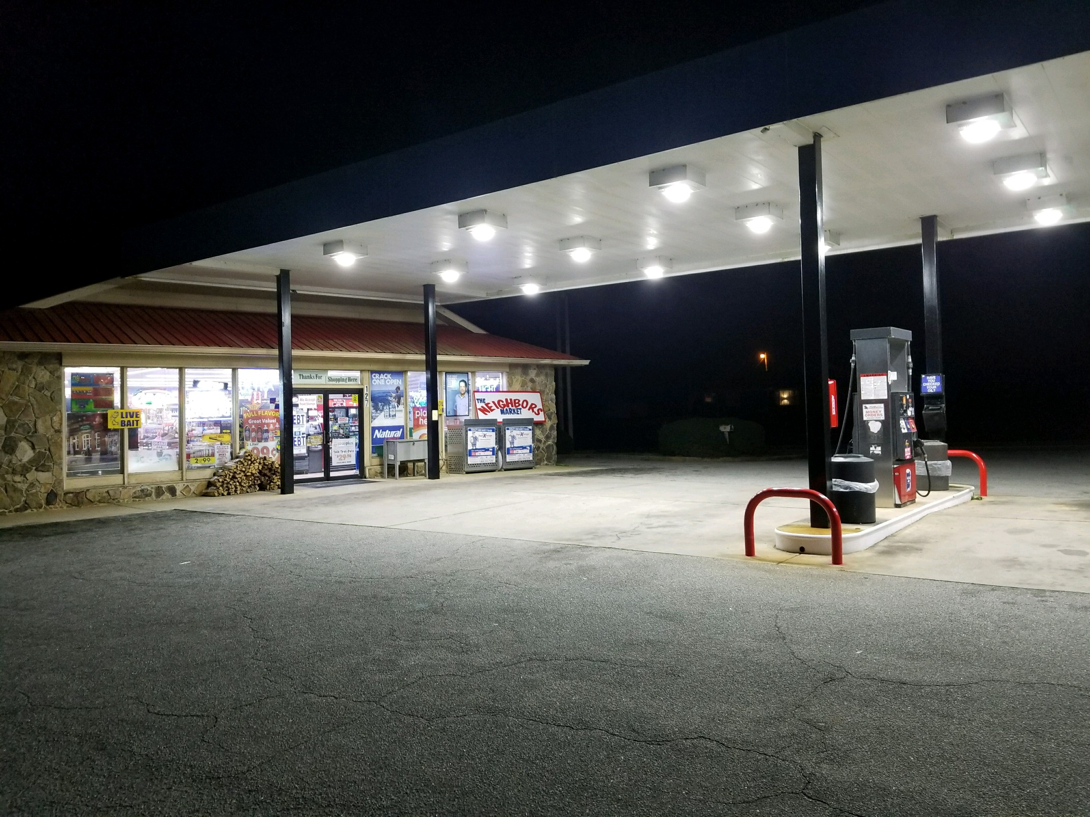 Southern Gas station - Shelter over pumps, full convenient store  in Newnan