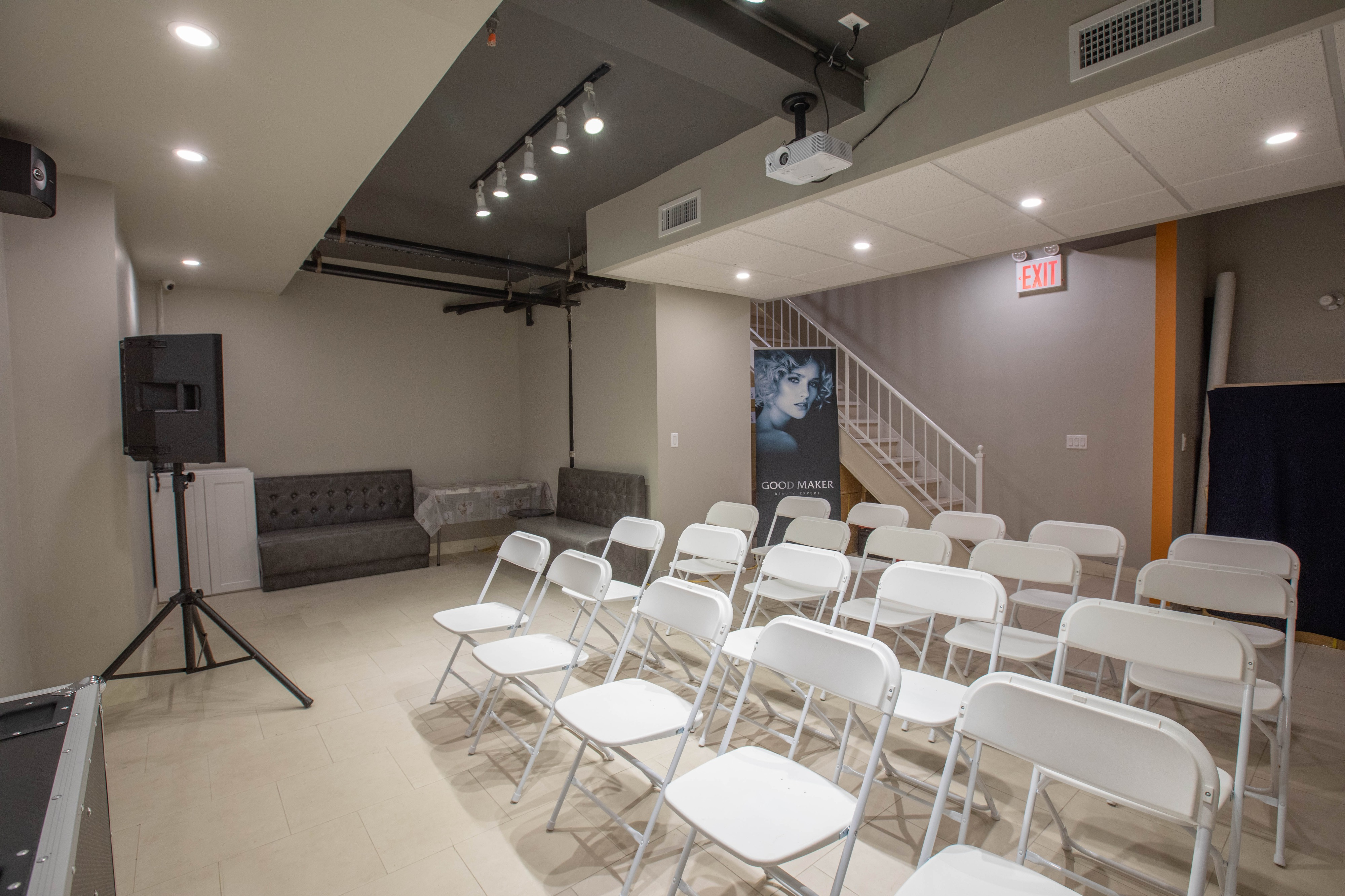 Classroom/Meetings/Conference Room with: Projector/Screen, Tables/Chairs,  Microphone/Speaker