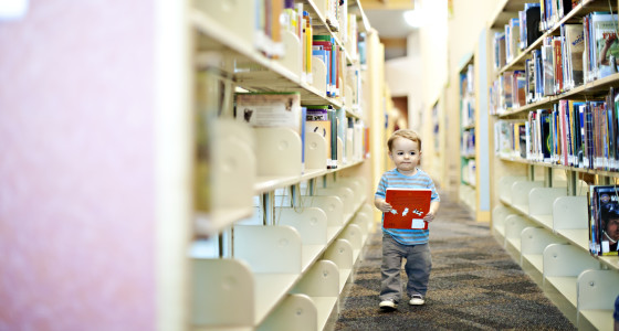 Child in the library