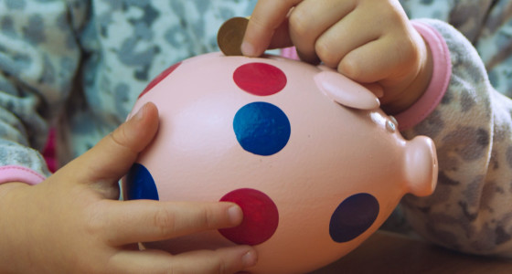 10 ways to save on family finances