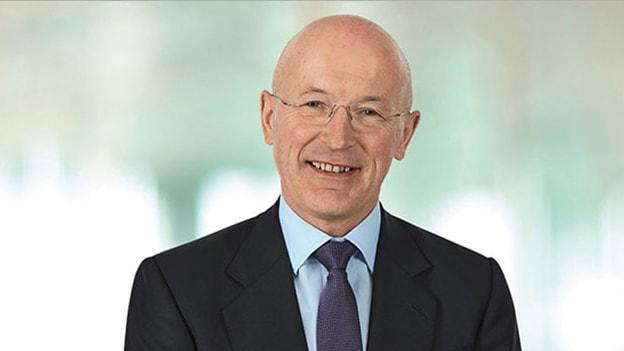 GSK Chairman Philip Hampton to step down