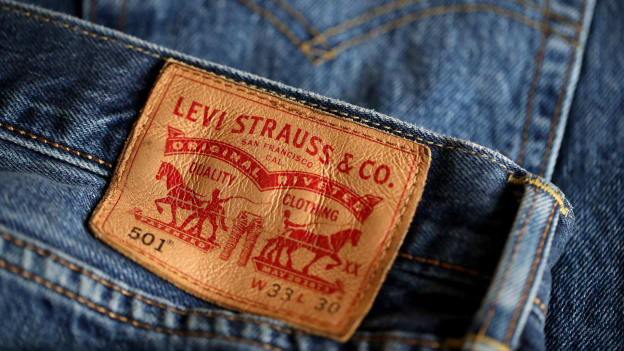 Levi Strauss to cut 700 corporate jobs