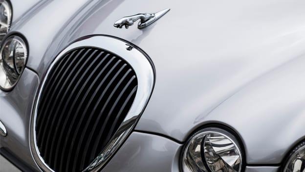 Jaguar gearing up to slash 4500 jobs