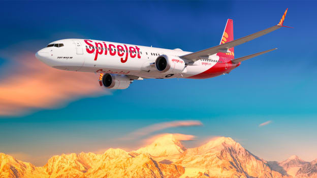 SpiceJet will hire up to 2000 employees of Jet Airways