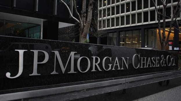 JPMorgan might shift thousands of jobs out of New York area