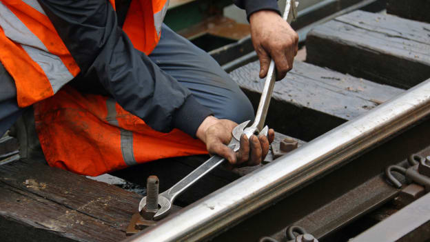 3,200 Canadian rail workers get more protections