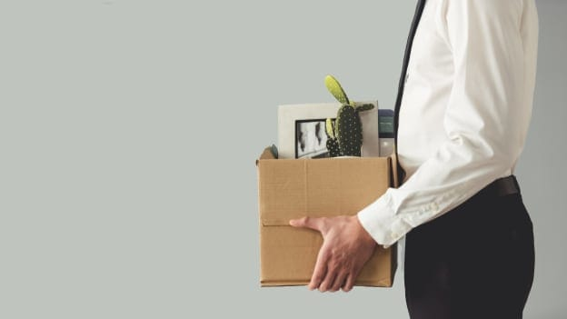 Most Americans to lose their job without a severance pay