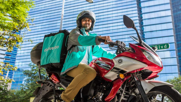 Deliveroo offers free online learning courses to riders and their families